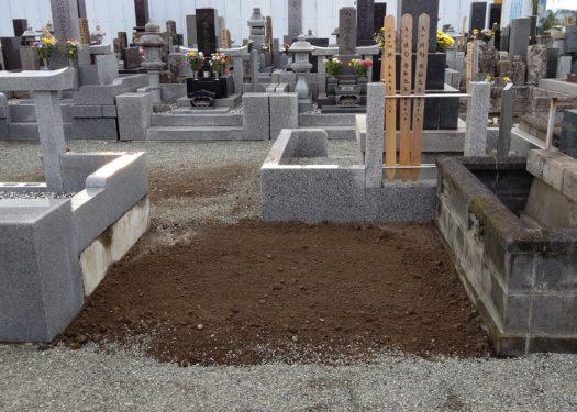 座間市の寺院墓地で墓じまいを行いました。